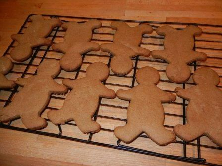 how to make homemade gingerbread cookies from scratch