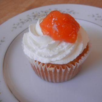 Peaches and Cream Cupcake Recipe