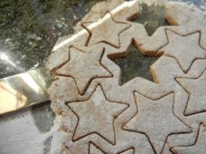 Cinnamon Star Cookie Recipe (German Zimtsterne)