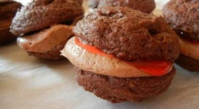 chocolate cherry whoopie pie 10